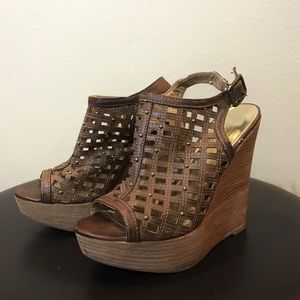 BAKERS SUPER FUN BROWN AND GOLD WEDGES